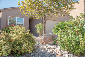 1040 DESERT PAINTBRUSH Loop NE, Rio Rancho, NM 87144