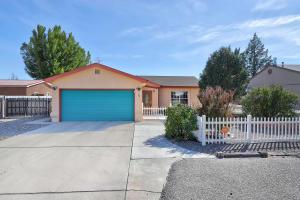 16 Stuart Drive, Los Lunas, NM 87031