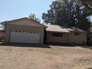 2136 BARCELONA Road SW, Albuquerque, NM 87105