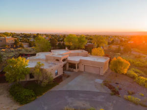 1146 Marigold Drive NE, Albuquerque, NM 87122
