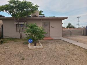 107 PENNSYLVANIA Street SE, Albuquerque, NM 87108