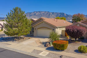 7124 TOULON Drive NE, Albuquerque, NM 87122