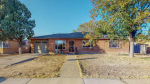 5911 ASPEN Avenue NE, Albuquerque, NM 87110