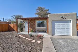 525 CALIFORNIA Street SE, Albuquerque, NM 87108