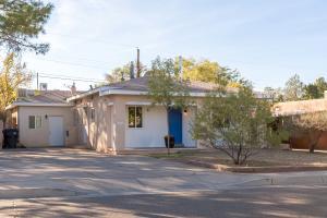1301 Princeton Drive NE, Albuquerque, NM 87106