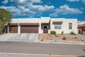8709 SANDWATER Road NW, Albuquerque, NM 87120