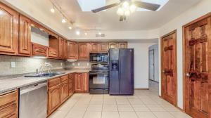 4808 W Glen Drive SW, Albuquerque, NM 87105