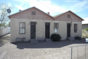 1006 BELLAMAH Avenue NW, Albuquerque, NM 87104