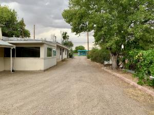 254 ATRISCO Drive SW, Albuquerque, NM 87105