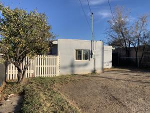 468 LOS LENTES Road SE, Los Lunas, NM 87031