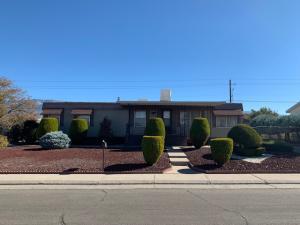 7708 LEANNE Street NE, Albuquerque, NM 87109