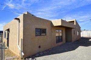 801 BELLAMAH Avenue NW, Albuquerque, NM 87102