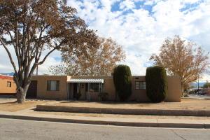 3300 PALOMAS Drive NE, Albuquerque, NM 87110