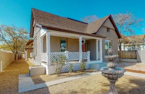 815 8TH Street NW, Albuquerque, NM 87102