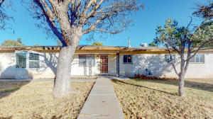 4036 MARTIN Road SW, Albuquerque, NM 87105