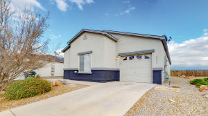 2261 Sagecrest Loop NE, Rio Rancho, NM 87144