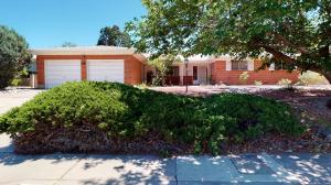2408 CUTLER Avenue NE, Albuquerque, NM 87106