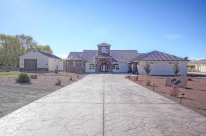 2500 LAKEVIEW Road SW, Albuquerque, NM 87105