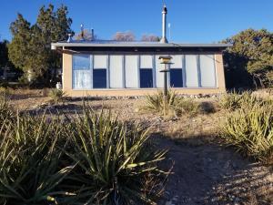 25 NEPHETS Lane, Edgewood, NM 87015