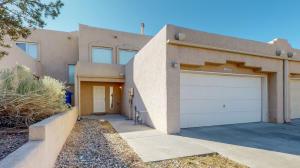 11304 CAMPO DEL OSO Avenue NE, Albuquerque, NM 87123
