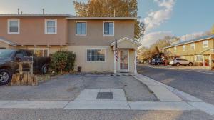 6037 CALLE NUEVE NW, Albuquerque, NM 87107