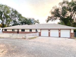 9 Loboy Drive, Peralta, NM 87042