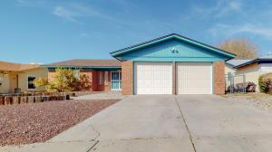 8209 Portales Avenue NE, Albuquerque, NM 87109