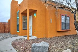 7632 REDWOOD Drive NW, Albuquerque, NM 87120