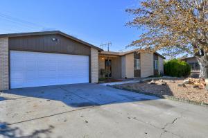 7304 KRISTA Drive NE, Albuquerque, NM 87109