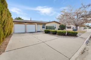 4712 OVERLAND Street NE, Albuquerque, NM 87109