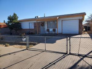7504 FORSYTHE Road SW, Albuquerque, NM 87121
