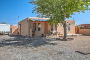 4912 San Luis Place NW, Albuquerque, NM 87107