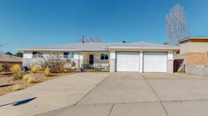 14209 Mocho Avenue NE, Albuquerque, NM 87123