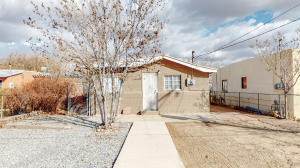 603 AZTEC Road NW, Albuquerque, NM 87107