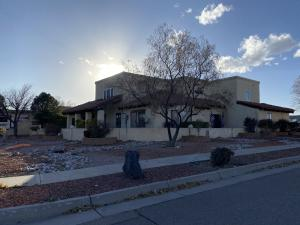 7210 Dodge Trail NW, Albuquerque, NM 87120