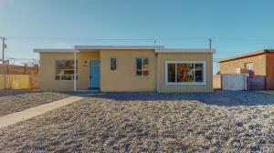 2807 MANZANO Street NE, Albuquerque, NM 87110