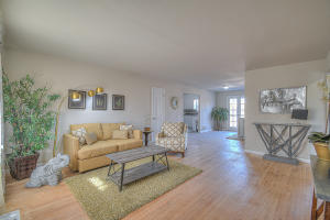 4609 Crest Avenue SE, Albuquerque, NM 87108
