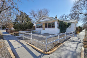 924 SILVER Avenue SW, Albuquerque, NM 87102