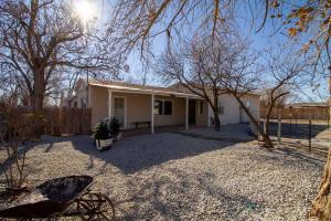 4000 SIOUX Street NW, Albuquerque, NM 87107