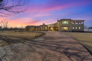 800 SALIDA SANDIA SW, Albuquerque, NM 87105