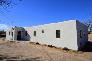 3120 AMALIA Road SW, Albuquerque, NM 87105