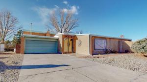 9913 PALMER Court NW, Albuquerque, NM 87114