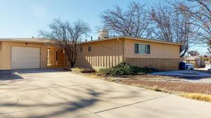 9702 MCKNIGHT Avenue NE, Albuquerque, NM 87112