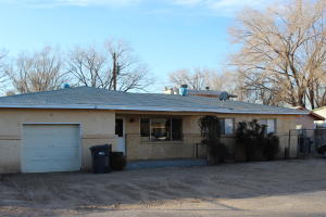 3 BR 2 Bath with Den Flex Area Ample PARKING and small backyard and small back porch.