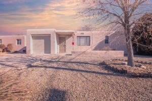 3320 CUERVO Drive NE, Albuquerque, NM 87110