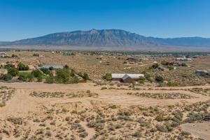 1601 NEZ PERCE Loop NE, Rio Rancho, NM 87144
