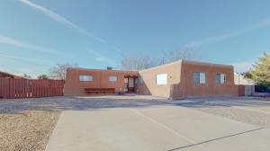4824 Douglas Macarthur Road NE, Albuquerque, NM 87110