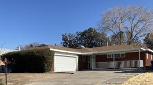 2908 ESPANOLA Street NE, Albuquerque, NM 87110