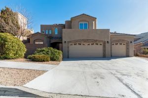 9816 BENTON Street NW, Albuquerque, NM 87114