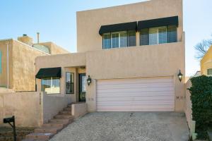9226 OSUNA Place NE, Albuquerque, NM 87111